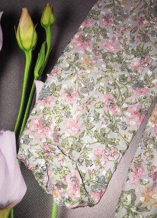 Красивое нежное платье на запах5 фото