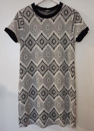 Платье в геометрический принт1 фото