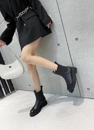 Женские ботинки9 фото
