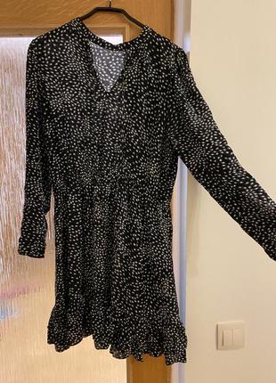 Платье с черно-белым узором zara
