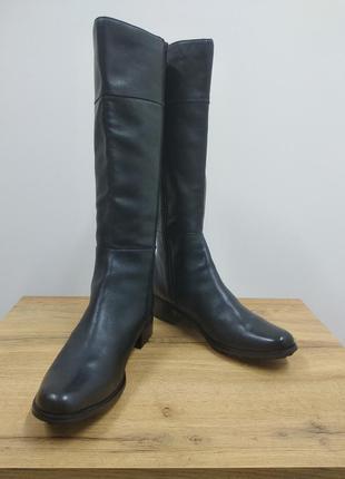 Laura conte чорні класичні шкіряні деміжсезонні високі чоботи черевики ботфорти на низькому ходу розмір 39.5 /40 /40.51 фото