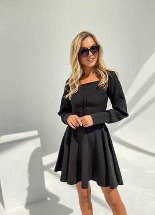 Прекрасное чёрное платье с пуговичками10 фото