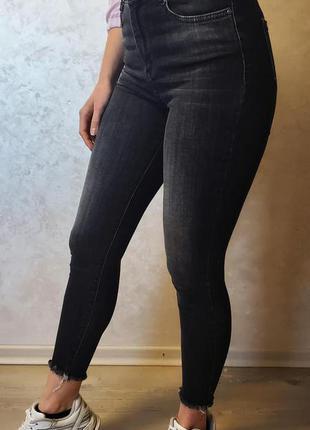 Стрейчеві жіночі джинси