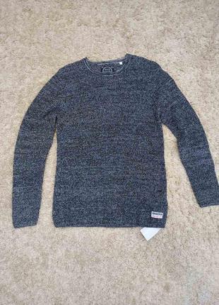 Стильный вязаный свитер skait national