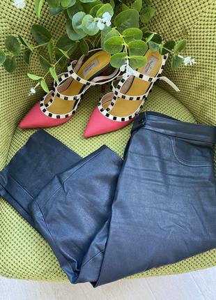 Кожаные брендовые брюки ,38-40 размер бёдра до 100 см