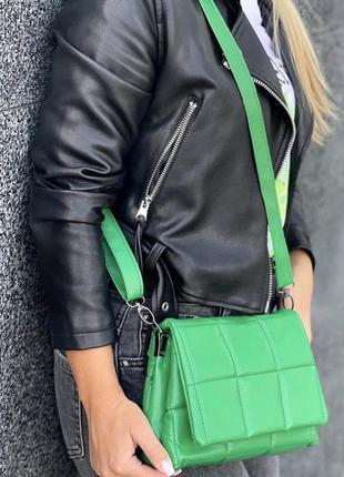 Зелёная сумка кожзам кросс боди стёганая