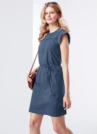 Трикотажное платье с кружевной вышивкой (германия), размеры наши: 42-46 (36/38 евро)