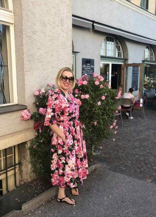 Платье в цветочный принт платье из натуральной ткани