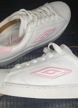 Эксклюзивные кроссовки umbro