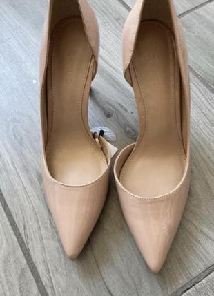 Туфли лодочки базовые на шпильке