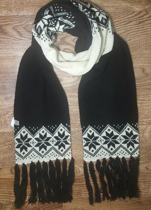 Теплый длинный шарф со снежинками next