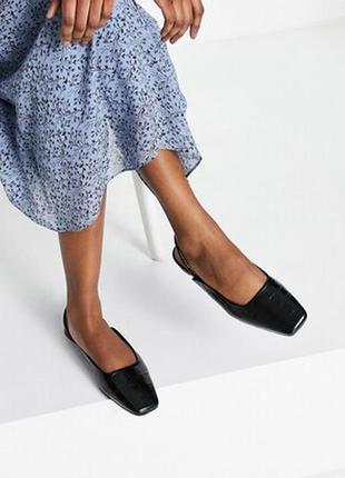 Чёрные кожаные туфли с квадратным носком и ремешком на пятке & other stories