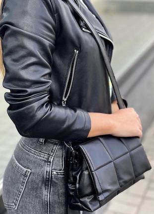 Чёрная женская сумка кожзам кросс боди стёганая