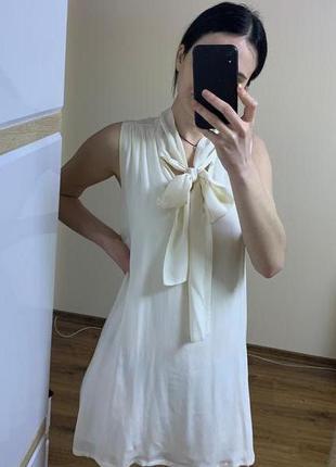 Платье молочное кремовое нежное нарядное massimo dutti