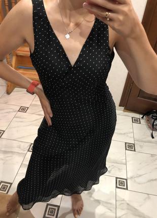 Романтичное шифоновое платье / сарафан в горошек стильное нежное с вырезом на груди