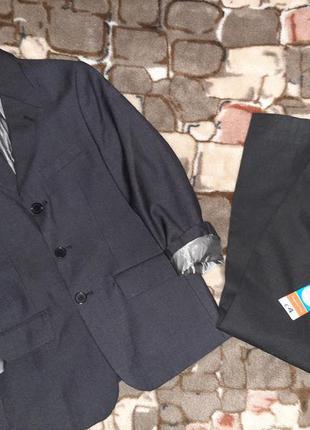 Фирменная школьная форма  пиджак и брюки штаны для мальчика 9-10 лет рост 134-140 см