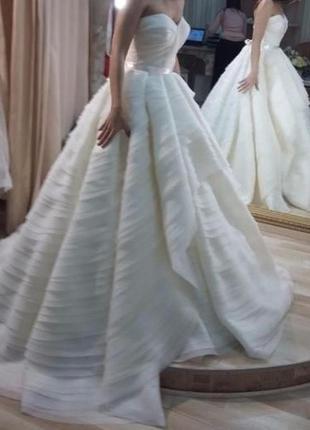 Свадебное незабываемое платье armonia korneliya