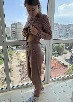 Теплый костюм, штаны и свитер