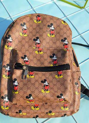 Брендовый классный рюкзак,в стиле известного бренда,с микки маус
