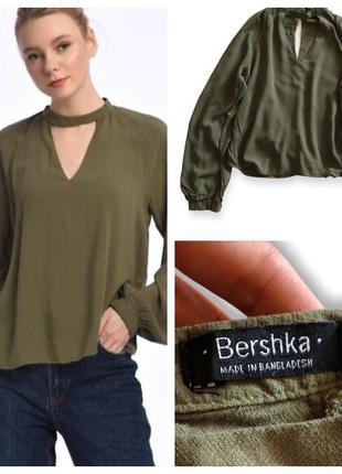 Блуза с чокером и длинными рукавами