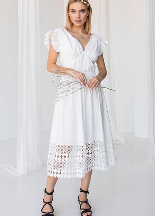Платье женское миди, белое, нарядное, v образный вырез, кружево, батист, размеры 42, 44, 46