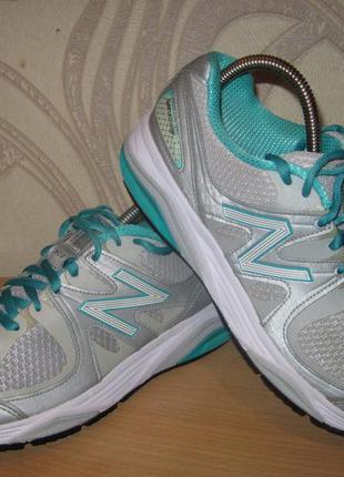 Продам кроссовки на широкую ногу фирмы new balance 40 размера .