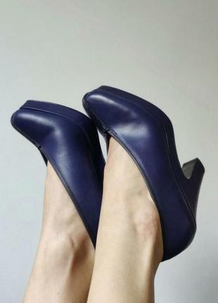 Надзвичайно стильні та шкіряні туфлі бренду & other stories