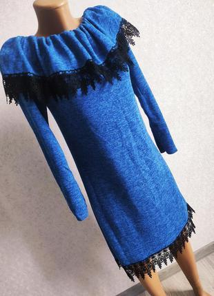 Платье тёплое из ангоры нарядное красивое с кружевом