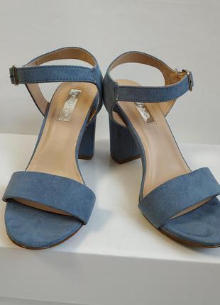 Босоножки на каблуке primark 36