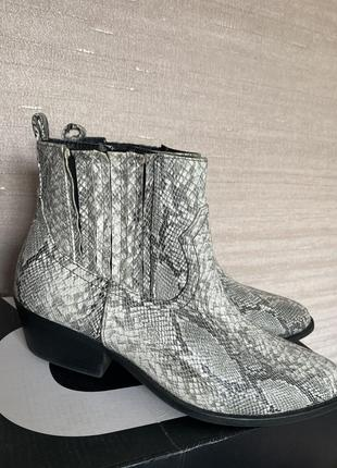 Ботинки-козачки на 38размер
