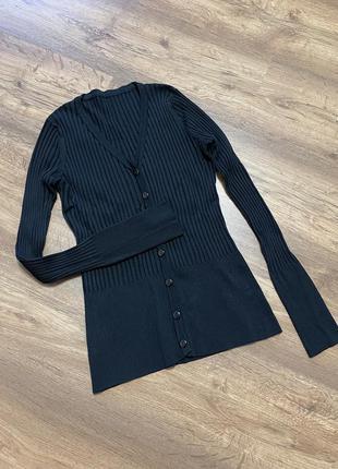 Кофта, лонгслив, водолазка, цвет чёрный, на размер xs, s, м, полностью в обтяжку, выглядит дорого и стильно, на пуговицах