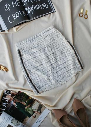 Актуальна твідова спідниця юбка з лампасами