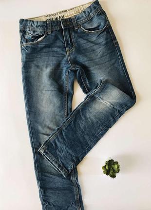Итальянские джинсы мальчику 7-8 лет, ovs италия, с дырками, искусственными потертостями