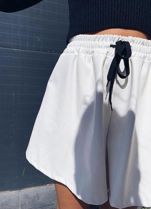 Стильные шорты юбка из еко кожи в наличии два цвета