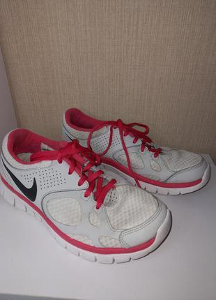 Фирменные оригинальные кроссовки nike flex 2012rn легкие и удобные
