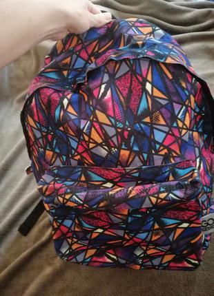 Яскравий місткий рюкзак gopack