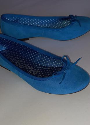 Яркие замшевые туфли m&s р. 37