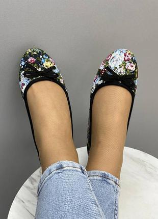 Женские балетки туфли с цветами