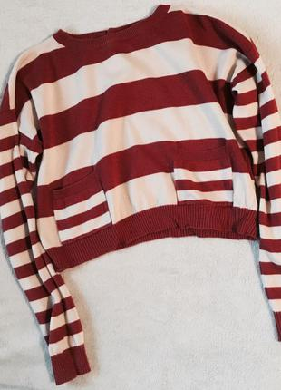 Стильный короткий свитер