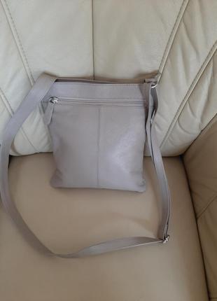 Классная кожаная сумка в цвете - мокко.- италия.