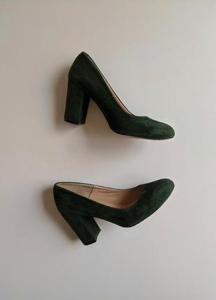 Замшевые туфли 38 р лодочки изумрудного цвета, туфли на каблуке