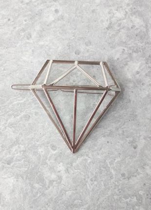Стильная заколка для волос в виде бриллианта