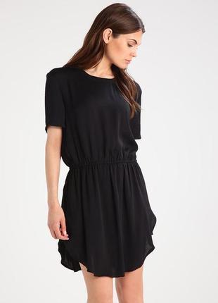 Moss copenhagen черная базовое классическое мини платье с резинкой на талии, короткое плаття, сукня