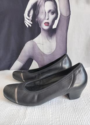 Gabor кожаные оригинальные туфли 38,5