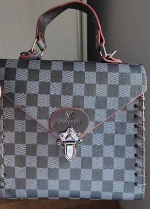 Красива сумка у новому стані