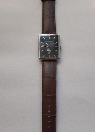 Мужские часы burberry - новые, кварц