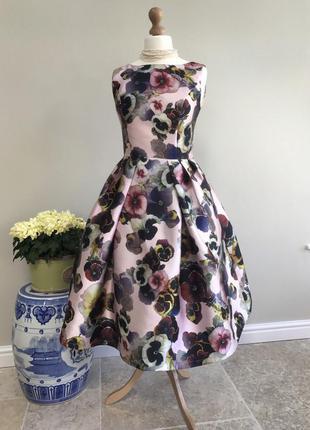 Изумительнейшее платье chi chi london