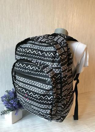 Вмісткий рюкзак hot tuna в орнамент