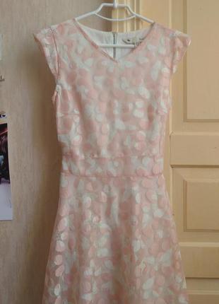 Нежное розовое платьице с поясом бабочки сарафан сукня рожева