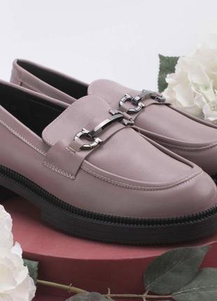 Новые женские туфли лоферы